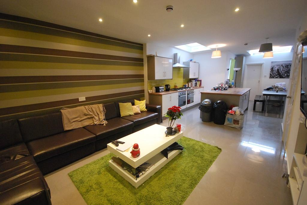 >Whitby Road, Fallowfield, Manchester, M14 6GH